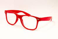 Красные очки в металлической оправе