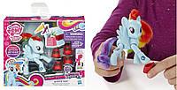 Фигурка My Little Pony Friendship is Magic Rainbow Dash Sightseeing Figure.
