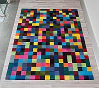 Разноцветный ковер пиксель из кусочков крашеной шкуры коровы для детской комнаты подростка