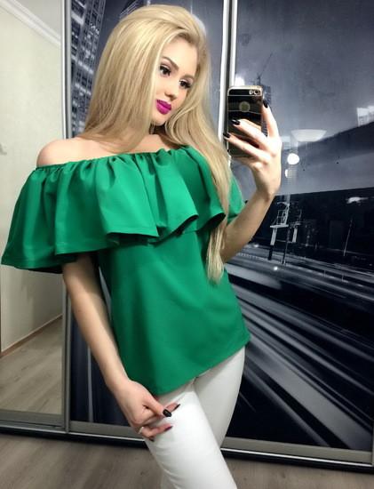 Блузка с воланом зеленая