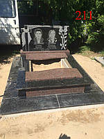 Памятник двойной из базальта, лабрадорита и жадковского гранита