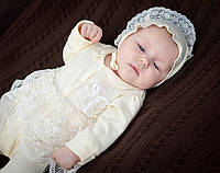 Хлопковый комплект для новорожденной на выписку из роддома (человечек, чепчик, царапки, конверт) Модный карапуз Молочный