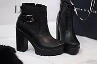 Стильные и комфортные женские ботинки от TroisRois из натуральной кожи на молнии и ремешках