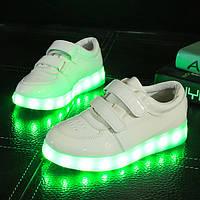 Детские лаковые кроссовки с подсветкой
