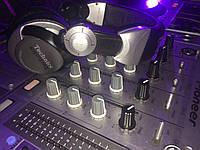 Аренда звукового оборудования:Пульт и CD для диджея