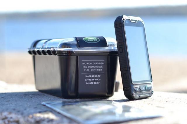 Противоударные защищенные телефоны Land Rover