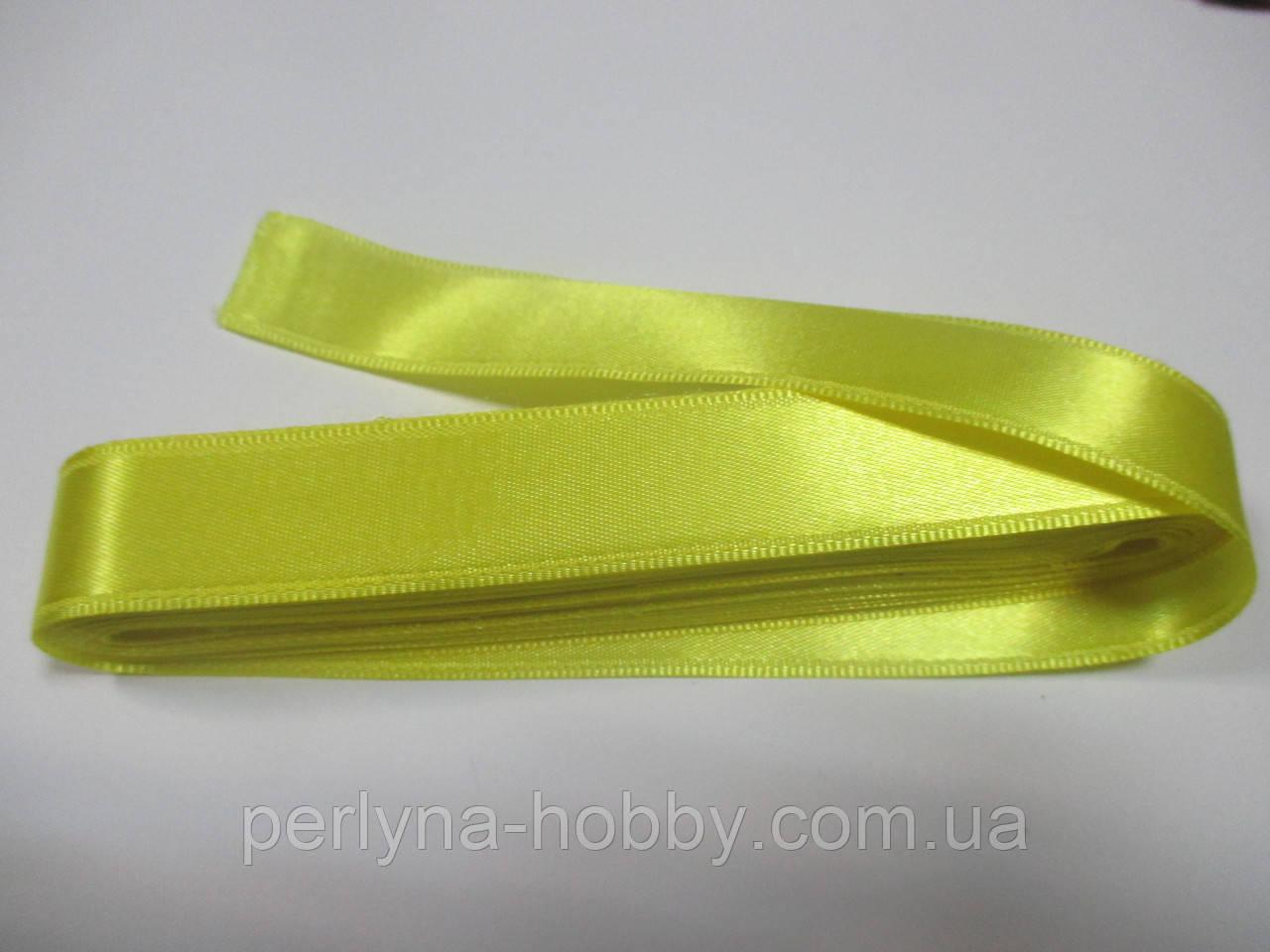 Стрічка атласна  двостороння 2 см ( 10 метрів) лимонна Н 02-088