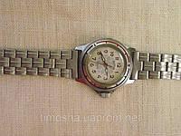 Наручные часы ХХ в. Мужские наручные механические часы Восток  на стальном браслете.