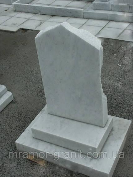 Памятник из белого мрамора