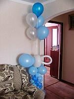 Соска на стойке из воздушных шаров и 5 гелиевых шаров