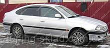 Ветровики окон Тойота Авенсис 1 (дефлекторы боковых окон Toyota Avensis T220)