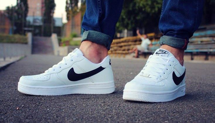 1333e7db Мужские кроссовки Nike Air Force, цвет - белый + логотип - черный - Tornado  в