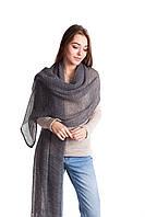 Женская ажурная шаль серого цвета