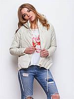 Демисезонная женская стильная куртка свободного кроя на силиконе бежевая 90144/2