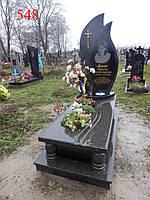 Памятник в форме капли из челновского гранита, фото 1