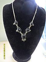 Ожерелье с камнем черный оникс в серебре.