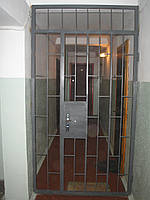 Решетка-дверь