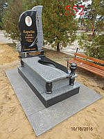 Комбинированный памятник из гранита покостовка и габбро