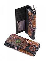 Женский кошелек из глянцевой кожи (черный с узором)