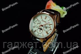 Мужские часы Tenwei с серебристым циферблатом.