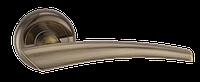 Дверные ручки межкомнатные Solo старая бронза   A1202 AB