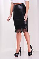 Прямая черная юбка из искусственной кожи с кружевом