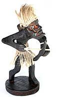 Папуас Охотник с луком дерево