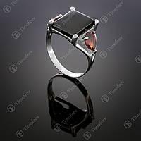 Серебряное кольцо с ониксом и гранатом. Артикул П-104