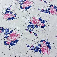 Ситец с синими и розовыми цветочками на белом фоне