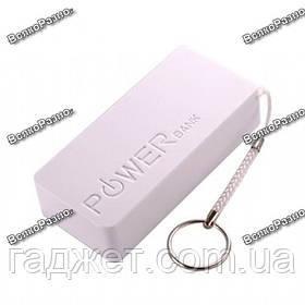Внешний аккумулятор Pover bank 5600 mAh белого цвета