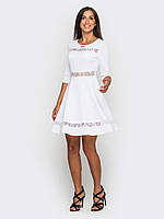 Приталенное женское платье с вставками из гипюра, юбкой-солнце, рукава 3/4 90184