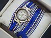 Модные женские кварцевые часы на кожаном длинном ремешке со стразами