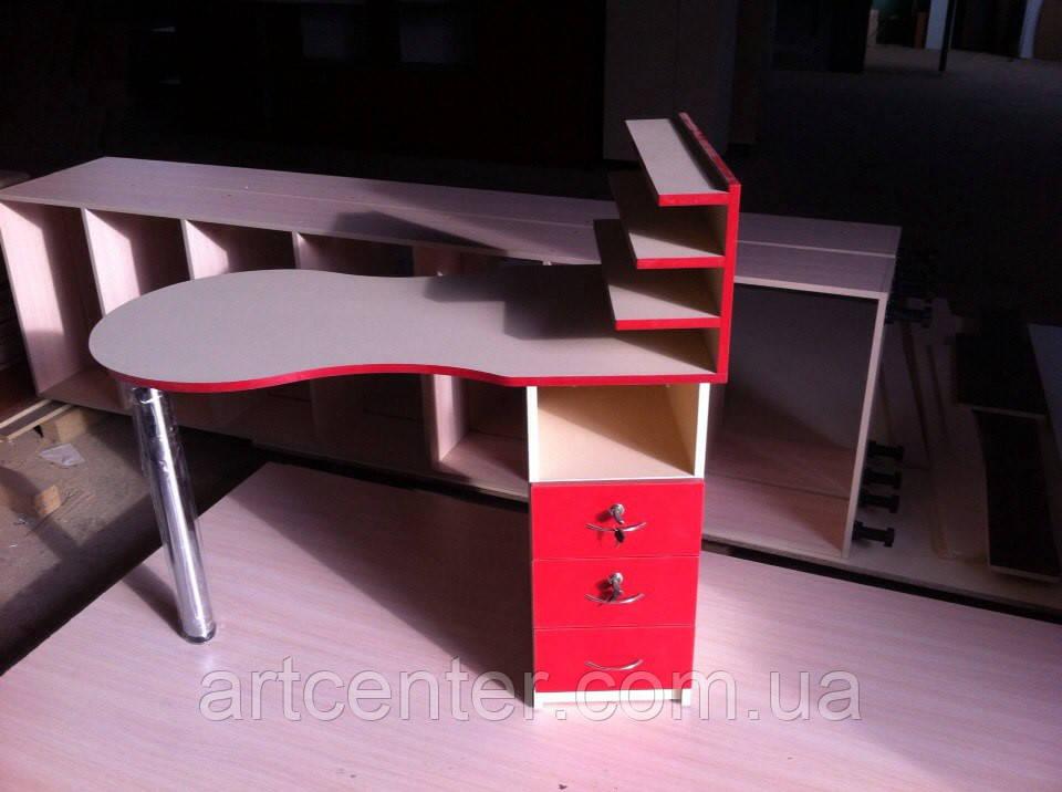 Стол для маникюра с выдвижными ящиками, с полочкой для лаков
