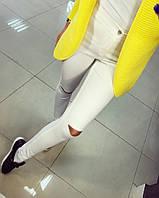 Стильные джинсы белые