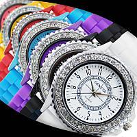 Cтильные женские часы Geneva Luxury Crystal , силиконовый ремешок ,7 цветов