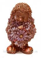 Подарочный шоколад на  8 марта. Ежик с ромашками