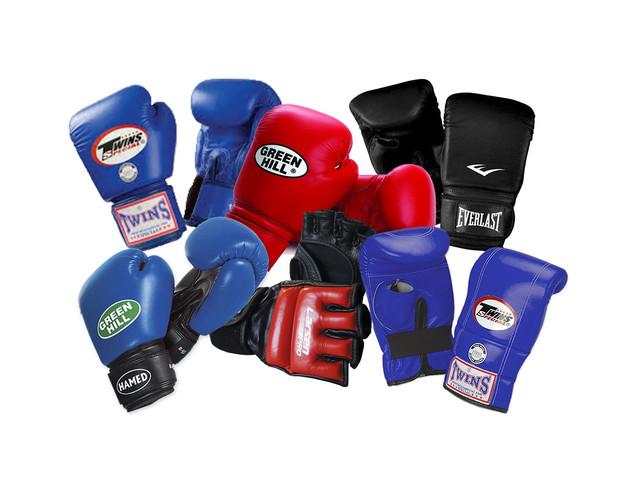 Перчатки и бинты для единоборств