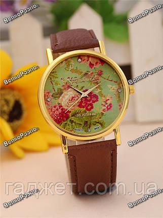 Часы Geneva с цветами на циферблате и коричневым ремешком., фото 2