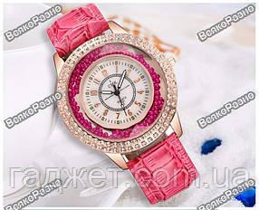 Модные роскошные женские часы Gogoey с горным хрусталем розового цвета.