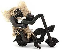 Статуэтка из дерева Папуасы на мотоцикле