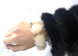 Резинка для волос с натуральным мехом норки. Молочный