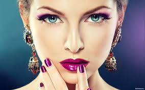 Ухаживающая и декоративная косметика