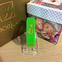 Женские силиконовые часы зеленые