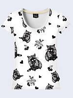 """Стильная женская 3D-футболка """"Енот арт"""" белого цвета из легкой дышащей ткани с прикольным рисунком."""