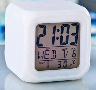 Светящиеся часы - будильник Хамелеон