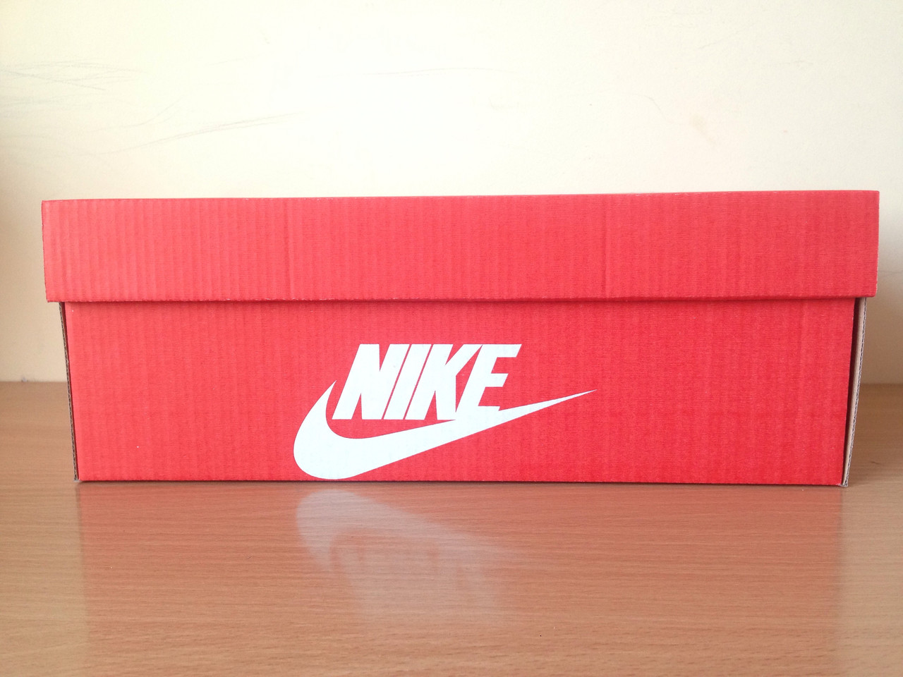 a7905eaa1228 Коробки Nike красного цвета купить в Киеве   Im-PoLLi - 323385407