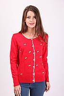 Красная женская кофта на пуговицах с бантиками