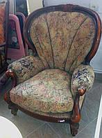 Комфортное мягкое кресло в стиле барокко для отдыха. Кресло ракушка.