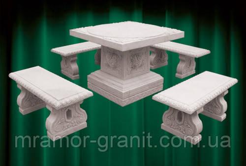 Столик со скамейками