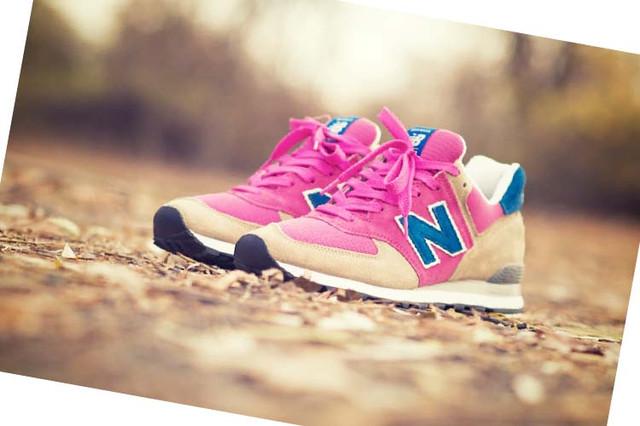 Фото женских кроссовок New Balance 574